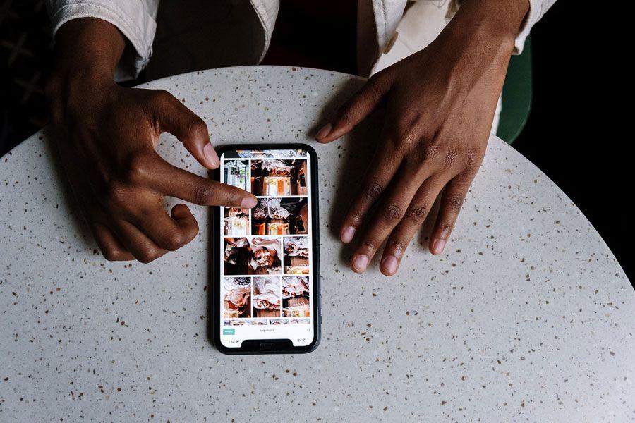 pexels-photo-5053843 Cómo ganar DINERO con la FOTOGRAFÍA [2021]